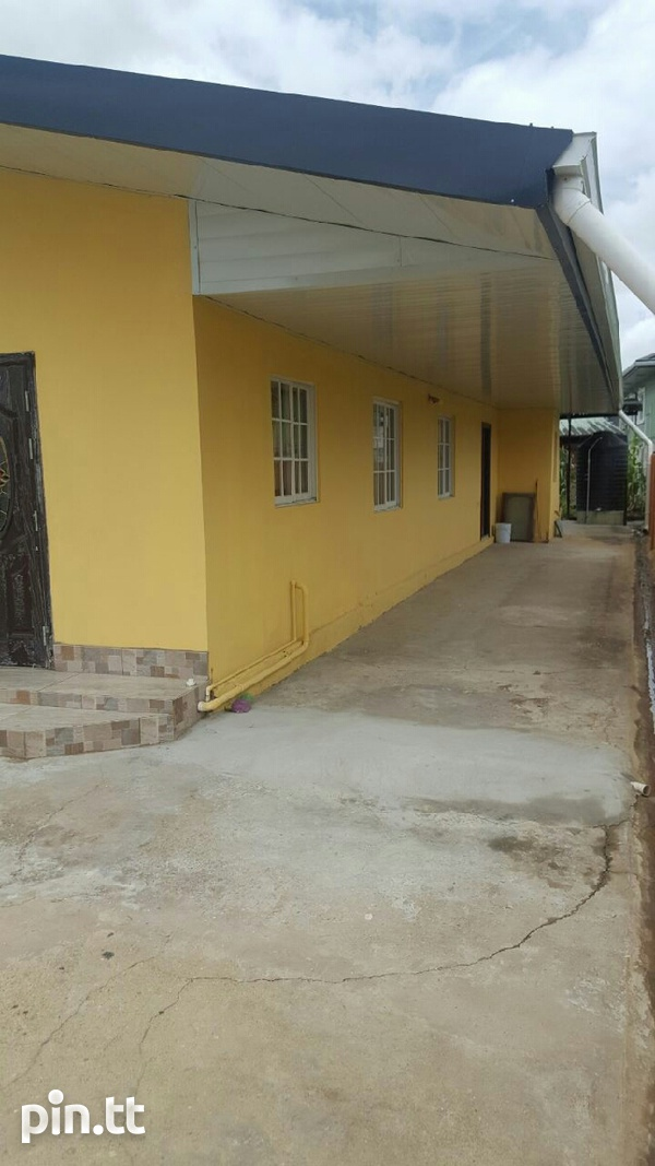 Chaguanas house with 4 bedrooms-1