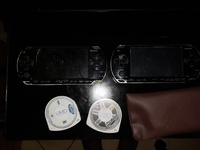 2 PSP and 2 games