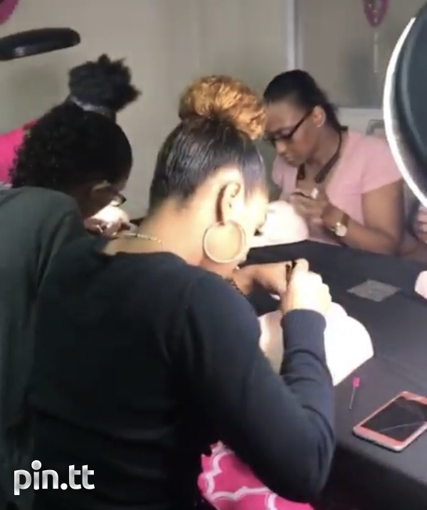 Makeup and lashes classes-2