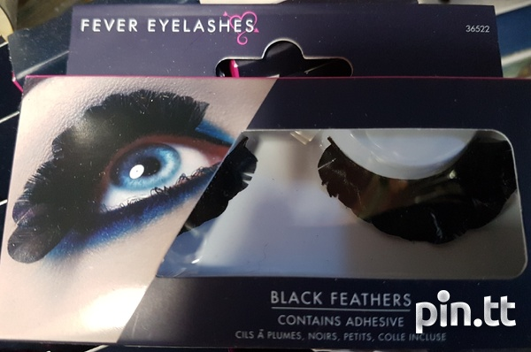 Beautiful lashes with adhesive-5