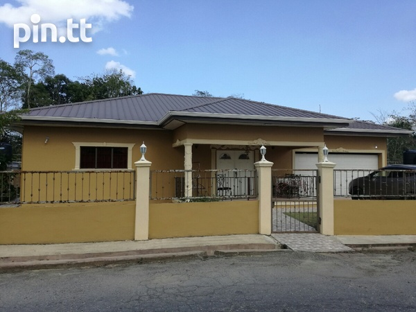 UNFURNISHED HOUSE 3 BEDROOMS-2