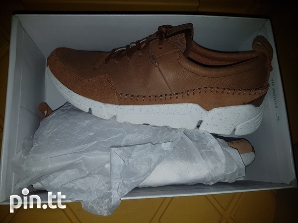 NEW Genuine leather men's Clarks shoes/trainers-1