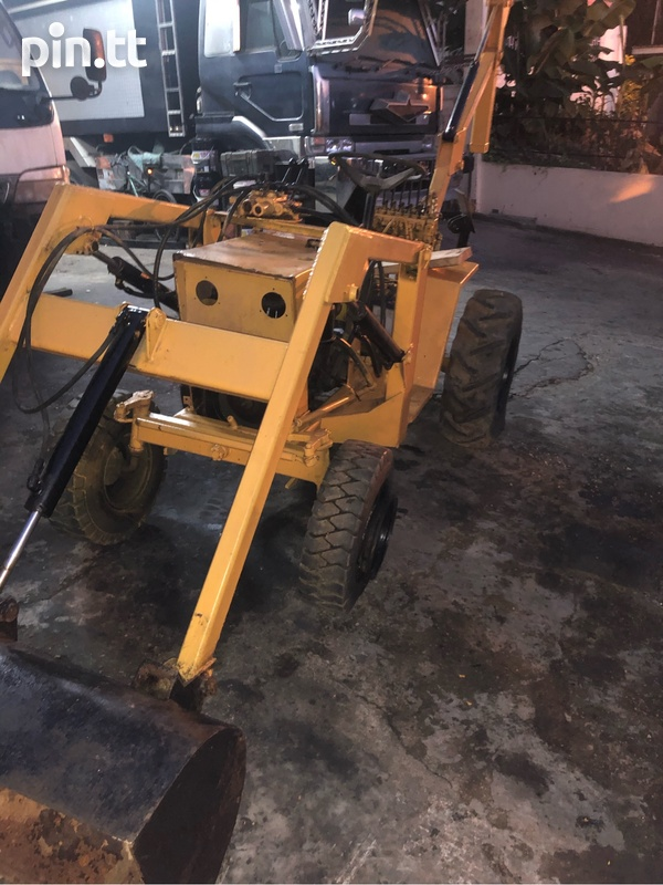 Mini Backhoe-2