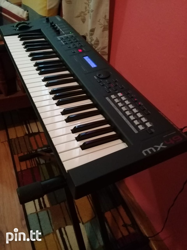 Yahmaha MX49 Keyboard and MX49 Case-4
