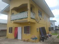2 bedroom upstairs house - apts downstairs