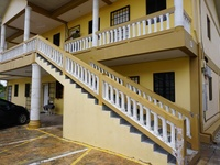 Newly Refurbished one bedroom Apt close to highway