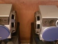 Jav Twin Speakers