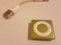 iPod shuffle 4th Generation 2GB Green