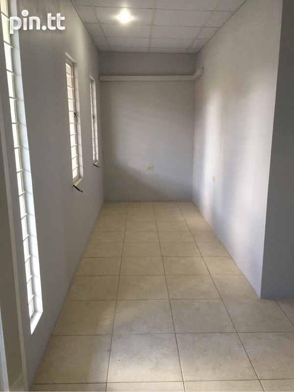 Apartment with 2 bedrooms . Semi Furnished-7