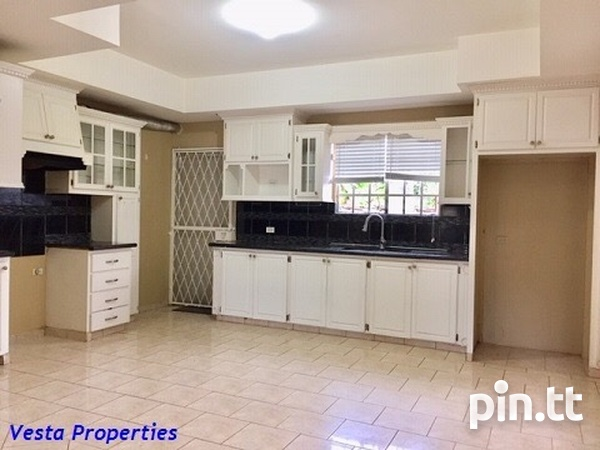 Unfurnished 2 bed townhouse-2