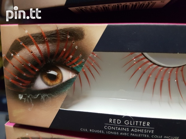 Beautiful lashes with adhesive-8