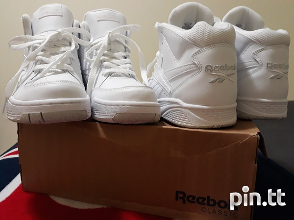 Reebok Classic Mens Size 10 and 10.5-6