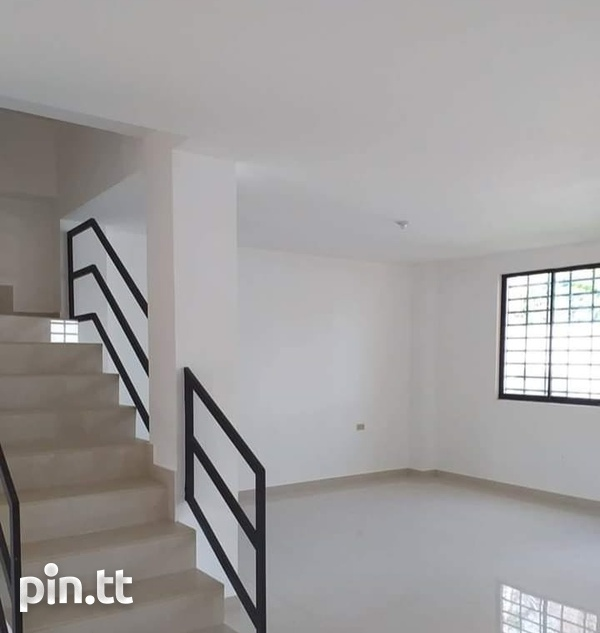 Chaguanas townhouse - Crown Park Villas.-3