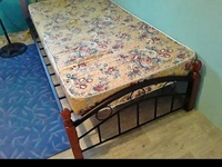 Single bed+mattres