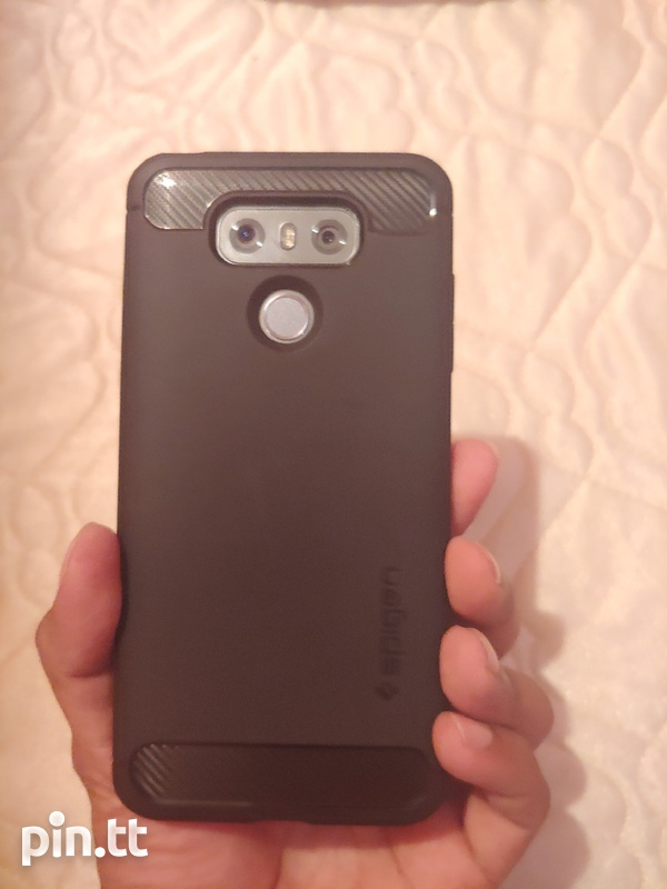 LG G6 in immaculate condition-2