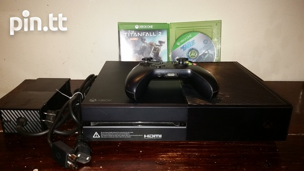 XBOX ONE Console 1 controller and 2 games-1