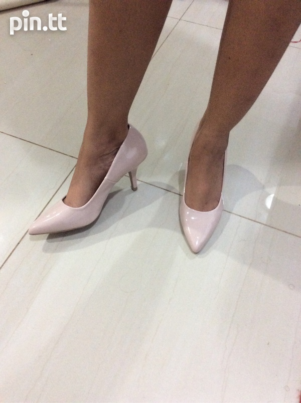 Nude pumps, new in box-1