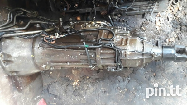 RB25 5 speed transmission foreign used-2