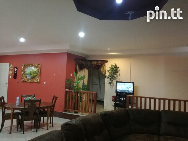 UNFURNISHED HOUSE 3 BEDROOMS-4