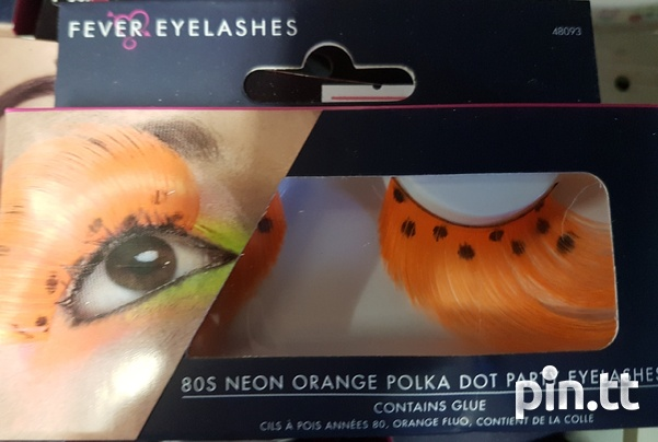 Beautiful lashes with adhesive-3