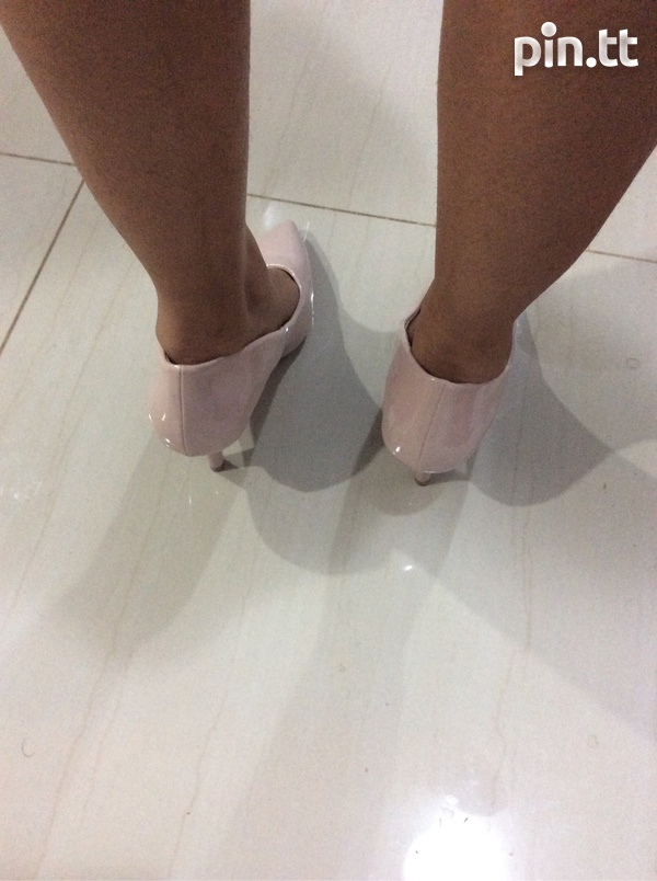Nude pumps, new in box-3