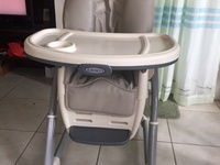 Graco 6 Point Adjustable High Chair with Additional Booster Seat