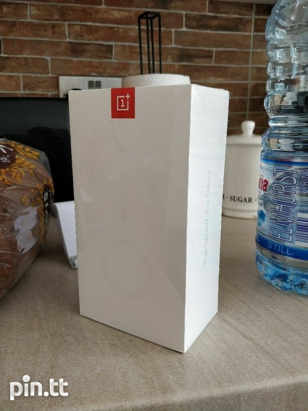 One Plus 6 Dual Sim 128GB+8GB Ram Like New Full Package Combo-4