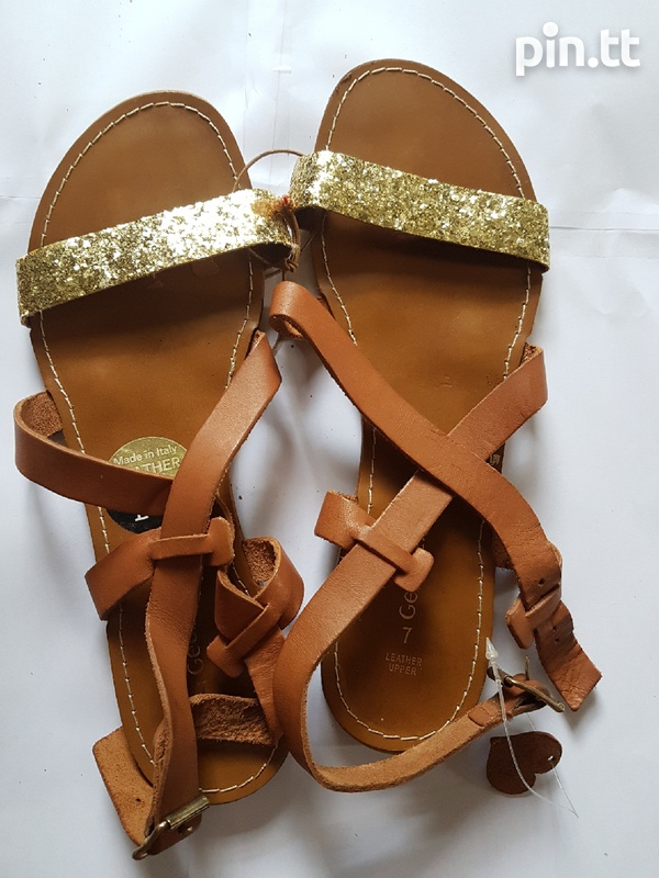 Upper leather sandals-1