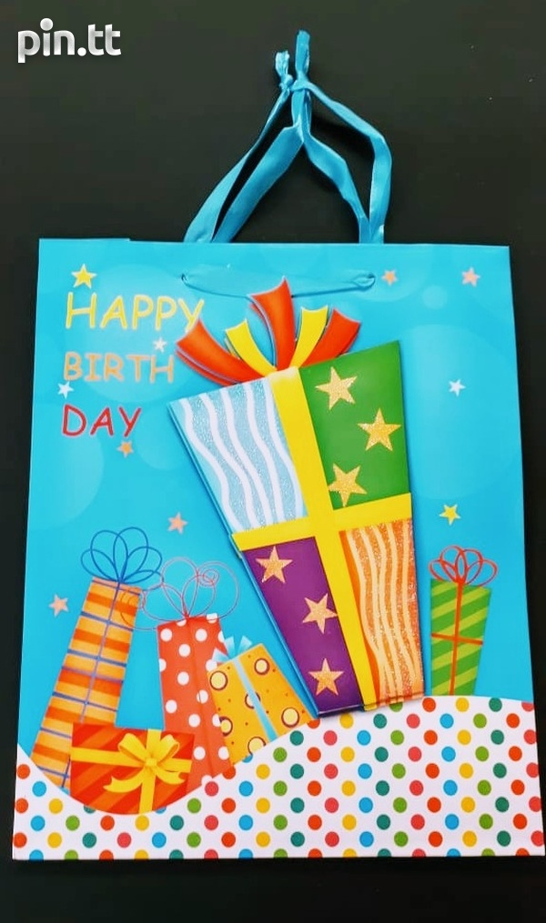 3D Birthday gift bags-1