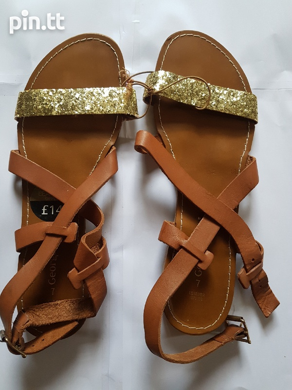 Upper leather sandals-3