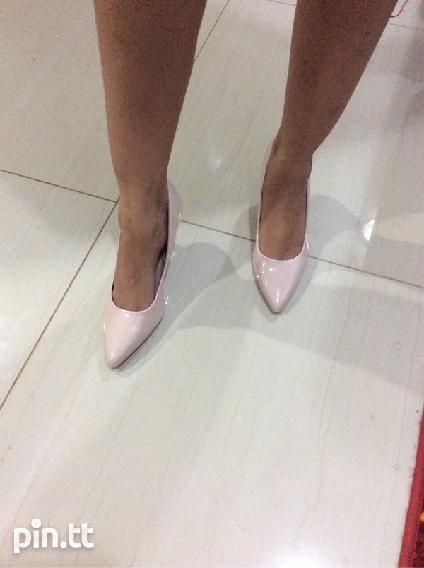 Nude pumps, new in box-2