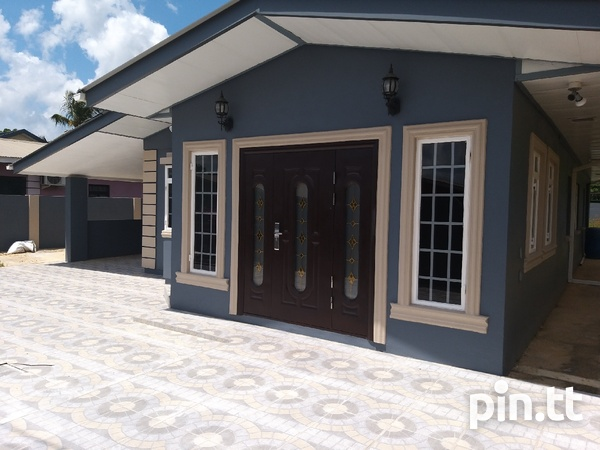 Trincity house with 3 bedrooms-2