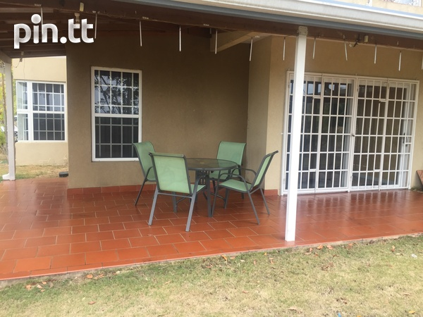 Fully furnished 3 bedroom apartment in Cara Court Claxton Ba-2