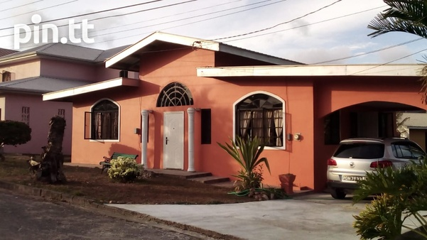 Spacious and Comfortable Family Home - Milton Park, Cleaver Rd. Arima.-8
