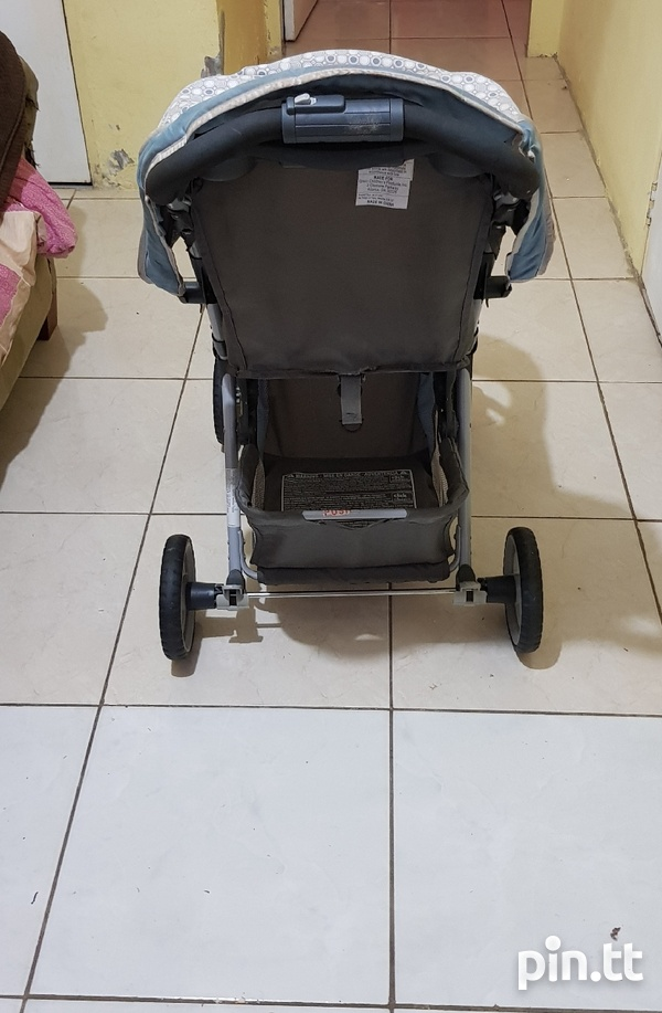 Used Graco Car Seat and Stroller-8