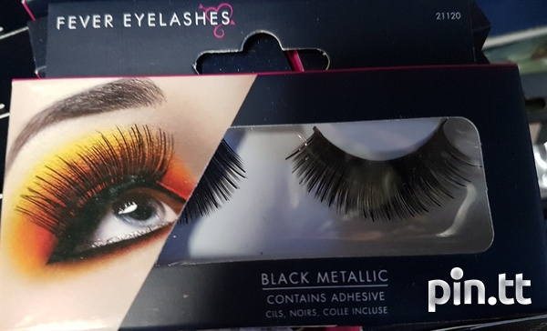 Beautiful lashes with adhesive-7